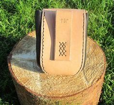 Belt pouch  10 cm wide, 12 cm high, 7 cm thick.  Part number: 300-0001  Price: 200,00 Dkr.