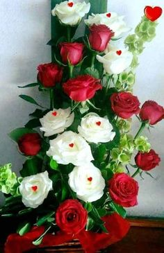 Foto Romantic Roses, Beautiful Roses, Beautiful Flowers, Hearts And Roses, Red Roses, Rose Of Sharon, Good Morning Flowers, Love Rose, Rose Bouquet
