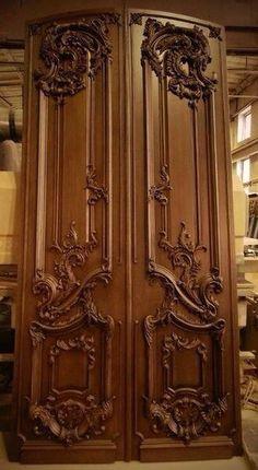 Резная дверь из дуба