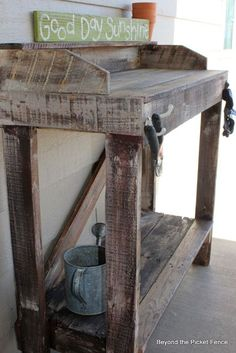 Rustic Pallet Potting Bench