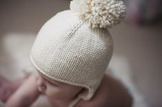 Simple ear flap hat, free pattern
