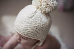 Simple ear flap hat, free pattern