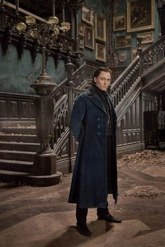 a man with mysterious intentions | Crimson Peak 10.16.15