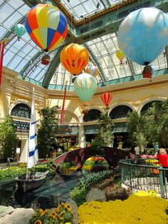 Bellagio Hotel and Casino - Enchanted Forest Theme, Las Vegas Resorts, Nevada Usa, Tourist Spots, Shopping Center, City Lights, Botanical Gardens, Travel Usa, Places To Travel