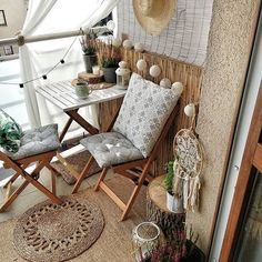 The decoration of small apartments is possible thanks to a good distribution and an optimal use of space,Small Apartment ideas Small Balcony Design, Small Balcony Decor, Apartment Balcony Decorating, Interior Decorating, Interior Design, Balcony Furniture, Home Furniture, Diy Bedroom Decor, Diy Home Decor