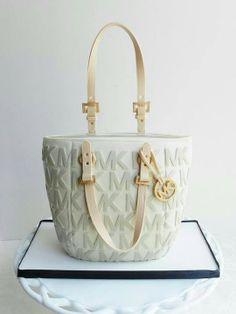 Michael Kors Cake cheap!!! mk $61.99!!!!!!!   http://www.michaelkorsviparea.com