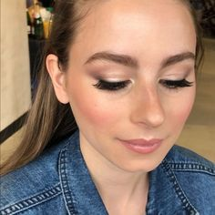 Oh my goodness is simply stunning! And those brows! 🙌 What an amazing day yesterday was creating some bridal magic with… Makeup Artistry, Brows, Oregon, Good Things, Magic, Bridal, Create, Day, Amazing