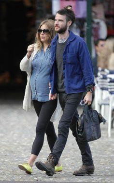 e9023ed709604 Insanely adorable Sienna Miller Pregnant