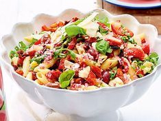 Pizza-Nudelsalat Our popular recipe for pizza pasta salad and over more free recipes on LECKER. Vegetarian Pizza Recipe, Deep Dish Pizza Recipe, Healthy Pizza Recipes, Seafood Recipes, Appetizer Recipes, Pizza Pasta Salads, Veggie Pizza, Pasta Salad Recipes, Pizza Pizza