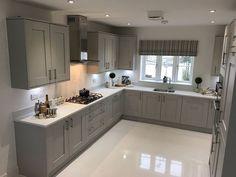Stunning Fabulous Hallway Decor Ideas For Home. Kitchen Room Design, Kitchen Cabinet Design, Modern Kitchen Design, Kitchen Layout, Home Decor Kitchen, Interior Design Kitchen, Home Kitchens, Shaker Kitchen, Open Plan Kitchen Dining