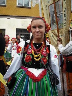 Łowicz. Boże Ciało 2010. - Mazowsze - Polskie Krajobrazy Popular, Folklore, Costumes, Traditional, Poland, How To Make, Outfits, Clothes, Beauty