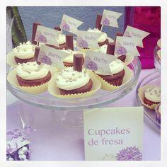 Cupcakes de Fresa con barrita de chocolate!!! #Felicitá