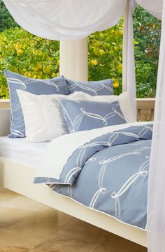 Luxury Bedding From Crane Canopy An Online Company Dedicated To Bringing You Chic Bath And Decor At The Right Price