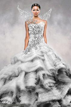 Katniss+Everdeen+Mockingjay | immortalbookofdays:Katniss Everdeen wedding dress!