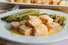 El salmón es uno de mis pescados favoritos. Es un pescado azul rico en ácido graso omega-3, muy beneficioso para nuestra salud. Esta receta me encanta porque la salsa de naranja le va perfecto al salmón, junto con el puerro … Continuar leyendo →