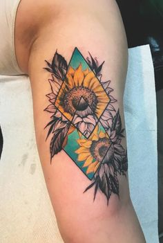 Celebrate the Beauty of Nature with these Inspirational Sunflower Tattoos geome. - Celebrate the Beauty of Nature with these Inspirational Sunflower Tattoos geometric sunflower tatt - Pretty Tattoos, Unique Tattoos, Cute Tattoos, Beautiful Tattoos, Body Art Tattoos, New Tattoos, Texas Tattoos, Artistic Tattoos, Circle Tattoos