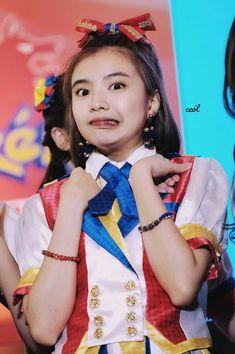 Teen Girl Photography, Filipina Beauty, Trinidad, Kos, Netflix, Snow White, Disney Princess, Disney Characters, People
