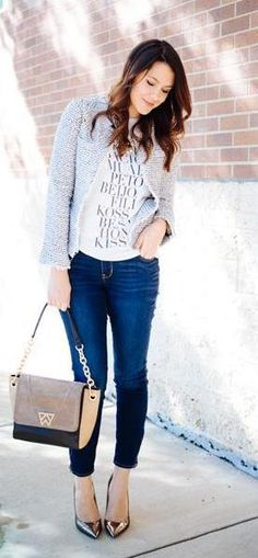 Check out this fashionista's comfy yet very stylish fall outfit.