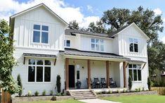all the modern farmhouse pics are white w black windows. Black Windows Exterior, White Exterior Houses, White Siding, Dream House Exterior, Exterior House Colors, White Houses, White Farmhouse Exterior, Craftsman Exterior, Farmhouse Windows
