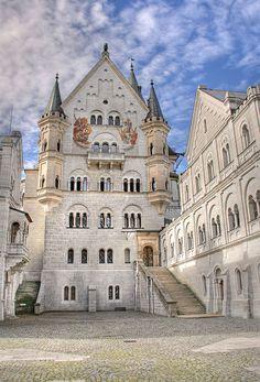 @дневники — Избранное :: мозаика мыслей Chateau Medieval, Medieval Castle, Beautiful Buildings, Beautiful Castles, Wonderful Places, Beautiful Places, Architecture, Beau Site, Schloss Neuschwanstein