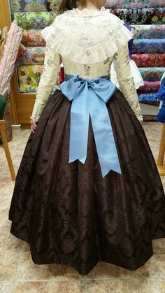 Lazo Vintage Dresses, Vintage Outfits, Vintage Fashion, 1700s Dresses, Steampunk Skirt, Victorian Costume, 18th Century Fashion, Folk Costume, Costumes