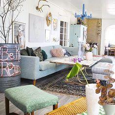 Livingroom #livingroom#stue#styling#interior#interiør#inredning#interior123#interior2you#interior4all#interiordecor#interiordesign#decor#design#homedecor#myhome#home#art#color#fargerike#view#vintage#eclectic#bolig#boligpluss#rom123#finahem#kkmagazine#crazy#retro by 170kvm