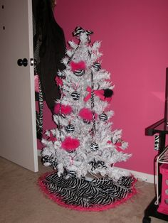 HOT Pink With Zebra Print christmas tree ♥ definitely wish I had space in my room for this.
