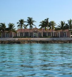 Waterside Escapes, 3 bedroom luxury rental villa in West End, Grand Bahama Island (with private boat dock)