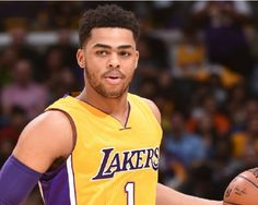 LA Lakers News: D'Angelo Russell Is The New Franchise Player? - http://www.morningledger.com/la-lakers-news-russell/13107683/