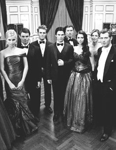 The Vampire Diaries cast TVD The Originals Vampire Diaries Memes, Vampire Diaries Damon, Serie The Vampire Diaries, Vampire Diaries Wallpaper, Vampire Daries, Vampire Diaries The Originals, Damon Salvatore, Delena, Joseph Morgan