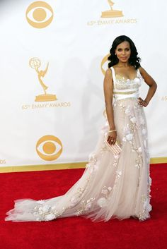 Kerry Washington in Marchesa On the Red Carpet at the Primetime Emmy Awards Photo by Amy Graves Red Carpet Gowns, Formal Looks, Fast Fashion, Designer Dresses, Wedding Gowns, Celebrity Style, Awards, Fashion Dresses, Dress Up