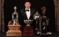 Carey Price est le deuxième joueur dans l'histoire du Canadien à mériter quatre trophées au cours d'une même saison. Lors de la saison 1976-77, Guy Lafleur avait mis la main sur les trophées Art-Ross, Hart, Pearson (rebaptisé Lindsay) et Conn-Smythe. Price a écrit son nom en grosses lettres dans l'histoire de la Ligue Nationale de Hockey, mais il est loin d'être satisfait. «Il me reste un trophée à aller chercher et je le veux vraiment», a-t-il répété en faisant référence à la coupe Stanley.