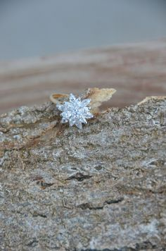 Starburst Ring Engagement Ring Vintage gold plated flower star shape costume jewelry. $60.00, via Etsy.