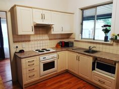 Fabulous roomy kitchen in this North Plympton Home .... kitchens sell homes!  #kitchen #cooking #forsale #northplympton #family #kids #familyhome #modern #renovated #home #homesweethome #solid  #locationlocationlocation #playground #parks  #bricksandmortar #bricks #garden #lawn #roses #tulips #opportunity #mortgage #future #lifestyle #southustralia #adelaide #australia #realestateadelaide #realtor #realestate #naomiwillrealestate  5  Beare Avenue North Plympton SA 5037…