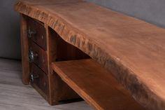 Tölgyfából készült állvány, különösen jól illeszkedik egy egy industrial vagy steampunk stílusú otthonba. Előszobai padként is használható.