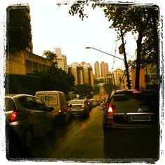 Avenida Doutor Guilherme Dumont Vilares em São Paulo, SP