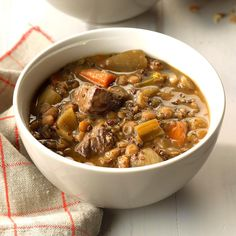 Try a new beef stew and give your dinner a kick! Try our most popular slow cooker beef stew recipes for dinner tonight. Slow Cooker Stew Recipes, Slow Cooker Beef, Crockpot Recipes, Cooking Recipes, Healthy Recipes, Slower Cooker, Slow Cooking, Healthy Soup, Dried Lentils