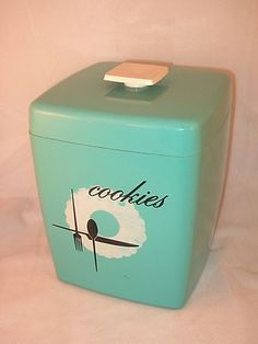 Vintage Retro AQUA Plastic Cookie Jar w Handled Lid Kitchen Canister Teal Vintage Canisters, Vintage Kitchenware, Kitchen Canisters, Vintage Dishes, Vintage Love, Vintage Decor, Retro Vintage, Vintage Items, Vintage Stuff