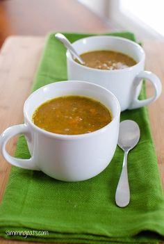 Vegetable Soup Slimming Eats Recipe Serves 4 Extra Easy – syn free per serving Green – syn free serving Original – syn free per serving (substitute the potato for butternut squash or swede) Ingredients 1 onion, chopped finely 2 cloves of garlic, crushed 1 Slimming World Soup Recipes, Veg Soup Recipes, Slimming World Diet, Slimming Eats, Baby Food Recipes, Diet Recipes, Healthy Recipes, Recipies, Slimming Worls