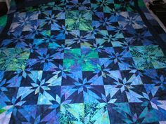 Google Image Result for http://quiltingqueenbees.com/images/joan_hunter_star_lg.jpg
