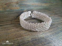 Brazalete de hilo de plata tejido. EVACLEMENTE Silver Rings, Jewellery, Bracelet, Silver, Jewels, Tejidos, Schmuck, Jewelry Shop, Jewlery
