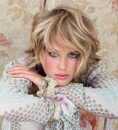 Short Wavy Hairstyles with Blonde Lights 2015