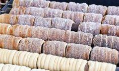 Také máte rádi trdelník ze stánku na vánočních trzích a chcete si ho připravit doma? Podívejte se na recept na trdelníky z kynutého těsta, díky kterému je můžete doma upéct zajímavým způsobem. Czech Recipes, Russian Recipes, Sweet Recipes, Cake Recipes, Dessert Recipes, Cooking Bread, Cooking Recipes, Czech Desserts, Sweet Buns