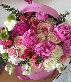 Beautiful Rose Flowers, Pink Flowers, Beautiful Flowers, Flower Box Gift, Flower Boxes, Bouquet Box, Happy Birthday Flower, Diy Wedding Flowers, Flower Wallpaper