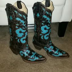 Artist Cowboy Boots Ariat Rocker Baby Boots Never Worn Excellent