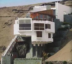 Дом на берегу Ель Мистерио (Casa de Playa en El Misterio) в Перу от Arq. Juvenal Baracco Barrios.