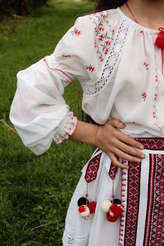 Embroidered Ukrainian Folk cotton-silk Vyshyvanka Girl Dress - Boho Girl Dress - Ukrainian Fashion Ethnic Apparel, Free shipping   Embroidered clothes are a symbol of health, happiness, good fortune, and luck. To be born in a shirt means to be a successful and happy person. The floral motives are the most perfect pattern for a girls vyshyvanka dress.  Available sizes: sizes  US6     US6x    US7     US8     US10 height 46(117 cm) 48(122 cm) 51(130 cm) 53(135 cm) 55(140 cm) chest  24 (61…