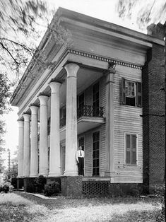 Mount Ida plantation house, built ca. 1840 in Talladega County with a portico added ca. 1858.