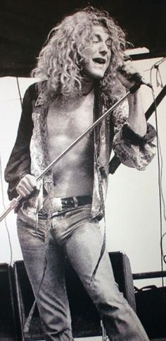 Robert Plant Singing | Lead singer Robert Plant in one of photographer Ted Harvey's shots of ...
