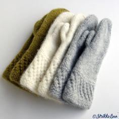 spildravotten-hvit-oliven-grå Lace Knitting, Knitting Stitches, Knitting Patterns, Crochet Mittens, Knitted Hats, Knit Crochet, Knitting Projects, Crochet Projects, Handmade Crafts